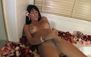 Asian tranny makes sex